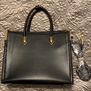 Black structures tote